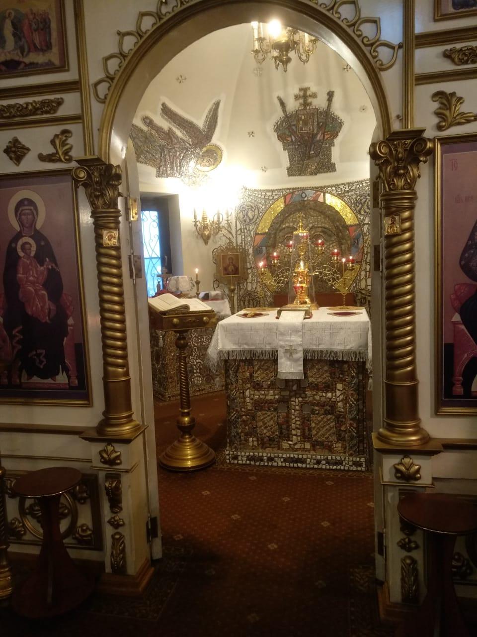 Завершено мозаичное украшение Престола